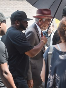 Morgan-Freeman-back-to-work-on-set-of-Going-In-Style-filming-in-NYC